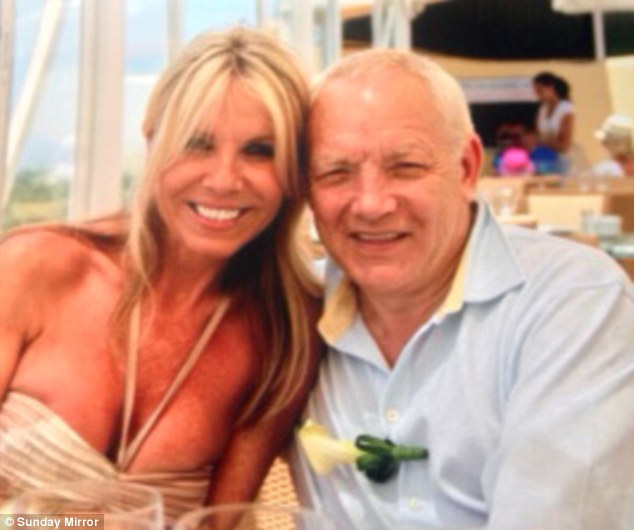 for 20 years she did not know her husband was female�how