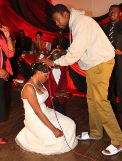 DRAMA AS PROPHET OF CHRISTIAN APOSTOLIC CHURCH IS CAUGHT HAVING PRAYER SESSION SEX WITH WIFE OF PASTOR OF APOSTOLIC FAITH MISSION!