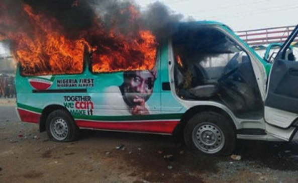 CAMPAIGN VIOLENCE IS RISING!...FIRST AT RIVERS,NOW IN JOS...BOTH APC AND PDP MUST REIN IN THEIR THUGS!