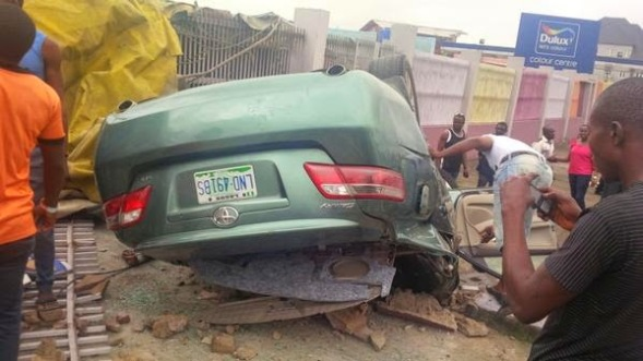 PDATE INFO/COMMENTS ABOUT FATAL VALENTINE ACCIDENT ON FESTAC LINK ROAD EARLY TODAY