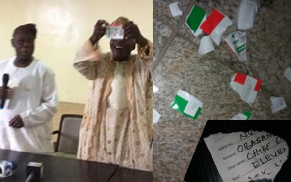 OBASANJO DRAMATICALLY TEARS PDP MEMBERSHIP CARD IN PUBLIC!
