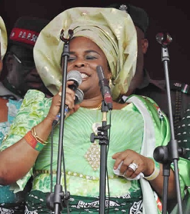 """WE WILL ALL GO TO PRISON IF YOU VOTE FOR BUHARI""...SAYS PATIENCE JONATHAN"
