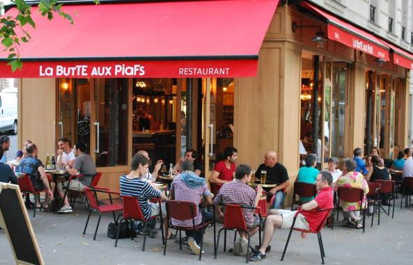 10 LIES EVERYONE TELLS YOU ABOUT PARIS!