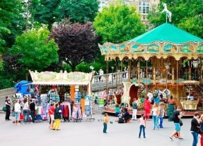 15 THINGS NOT TO DO IN PARIS (3)