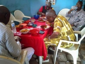 I KNOW THE PLUSH JOINT GOV FAYOSE ATE AMALA...IT IS NOT LOCAL AND NO COMMON MAN CAN EAT THERE!