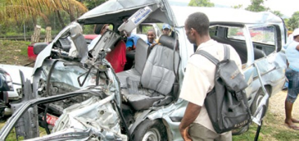 TRUST NO MACHINE MADE BY MAN!...15 PASSENGERS DIED IN THIS HORROR CRASH!