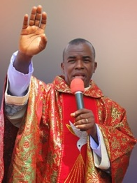 ABATI'S ATTEMPT TO RUBBISH FATHER MBAKA...NIGERIANS REACT ANGRILY!